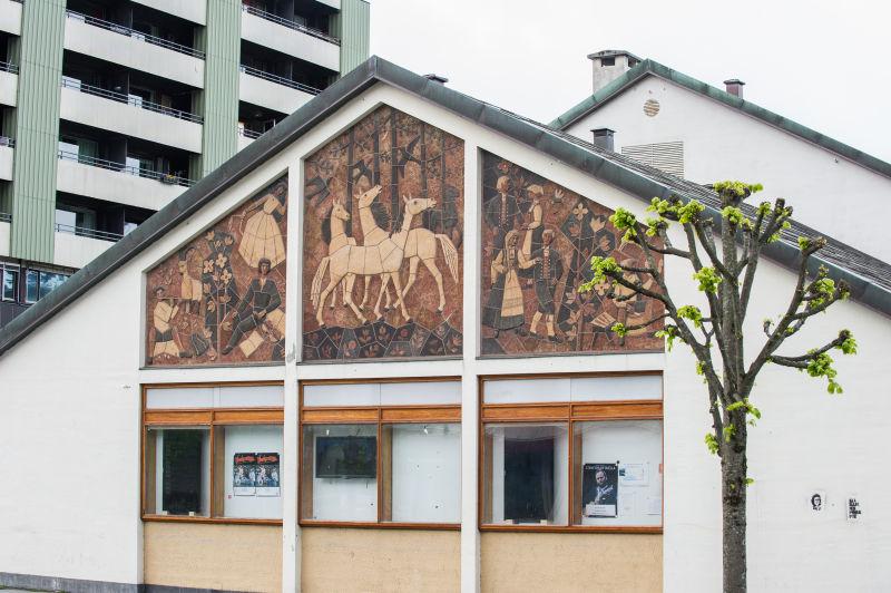 Ståle Kyllingstad - Relieff på Gamlekinoen