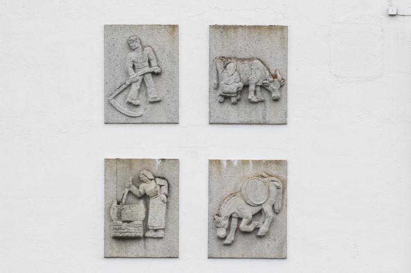 Lars Fletre - Relieffa på Meieribygget